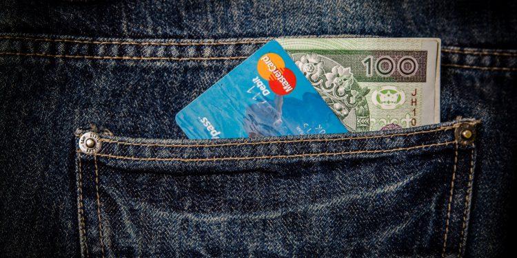 karta do bankomatu